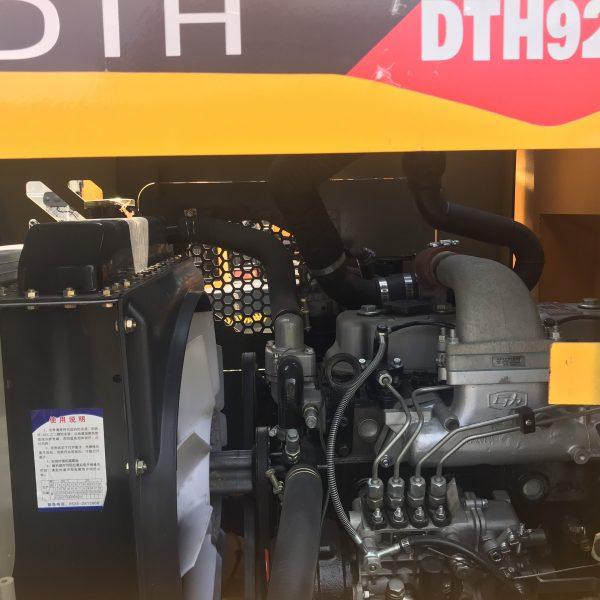 Máy-xúc-lật-DTH-3